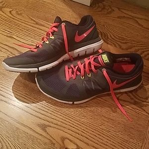 Womens Nike Flex shoes size 8